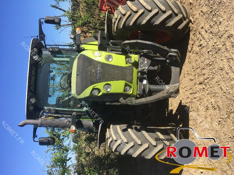Farm tractors Claas ARION 530 - 1