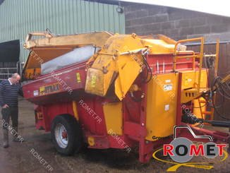 Forage wagon - straw shredder Gyrax 6500L - 4