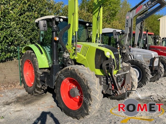 Farm tractors Claas ARION430 - 1