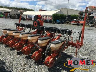 Precision seeder Kuhn PLANTER II - 2